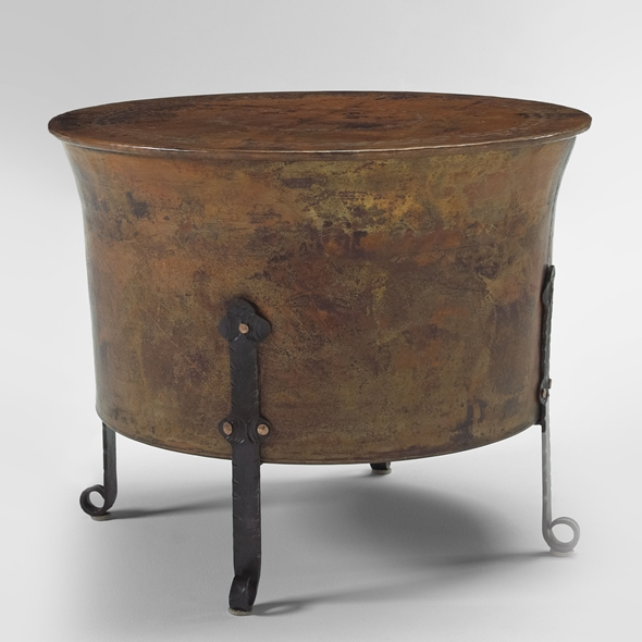 "#22302 Cauldron Table - Round (24x19"")"